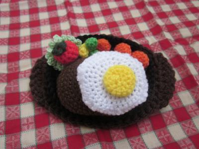 ハンバーグの編みぐるみ