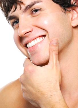 ひげが無い男性|イメージ