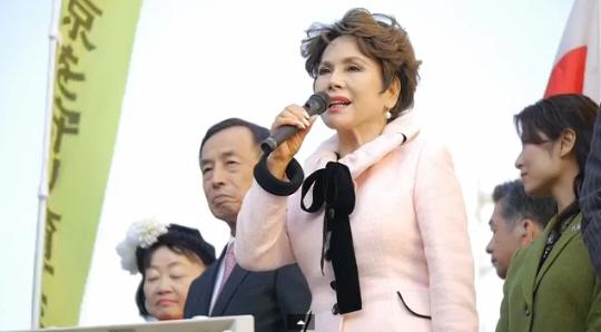 デヴィ夫人 田母神俊雄 選挙応援演説 (秋葉原駅前) 2014/1/12
