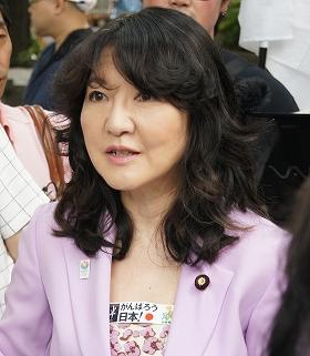元夫に「問題の解決」求める片山さつきさん(2012年7月撮影)