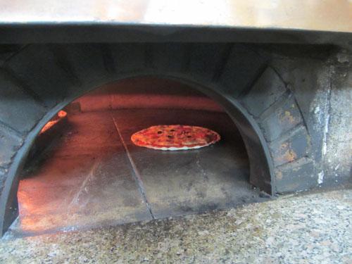 本格?窯焼きピザ