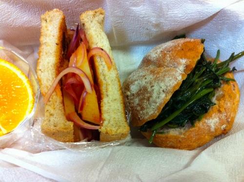 空心菜とジャガイモのサンドイッチ