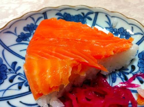 鱒寿司アップ