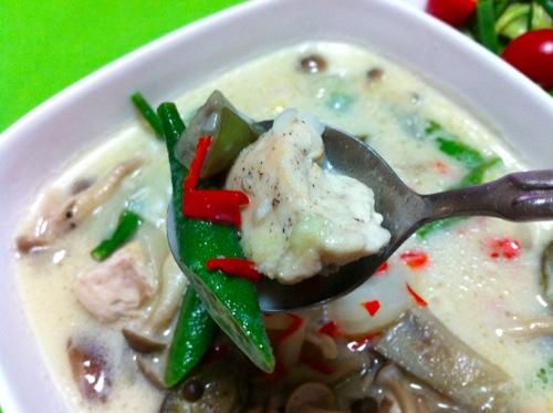 タイ風スープ地鶏アップ