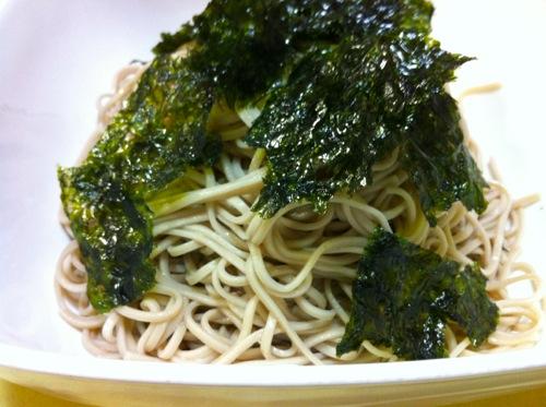 韓国海苔と蕎麦