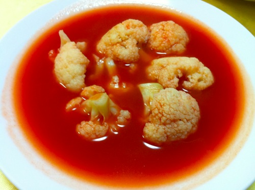 カリフラワートマトスープ