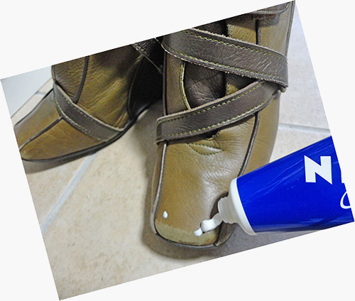 ニベアで靴磨き
