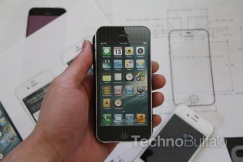 iPhone-5-Cut-Out-002-640x426.jpg