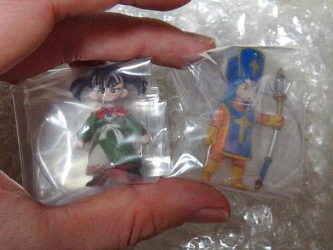スクエニの「ドラゴンクエスト キャラクターフィギュア」 女武闘家と女僧侶(袋の中)