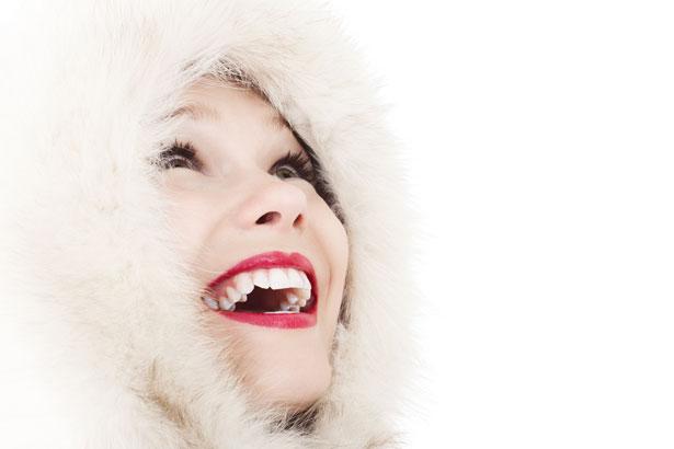 冬 女性 笑顔