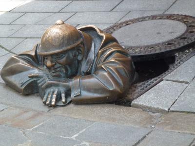 下水道の掃除人の彫像 7・24
