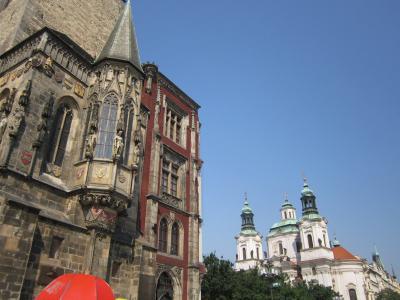右端に見える聖ミコラーシュ教会 7・27