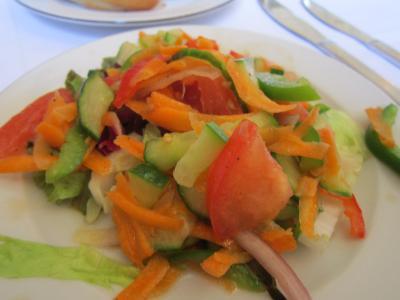 プラハ昼食サラダ 7・27