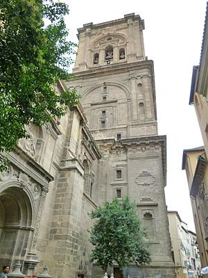 グラナダの大聖堂の鐘楼