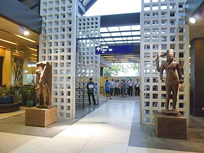 シェムリアップ空港の出口