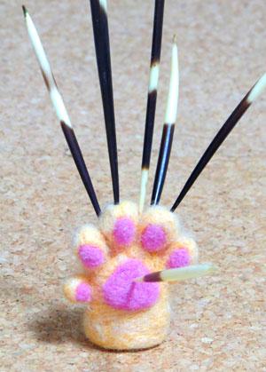 針刺し猫の手