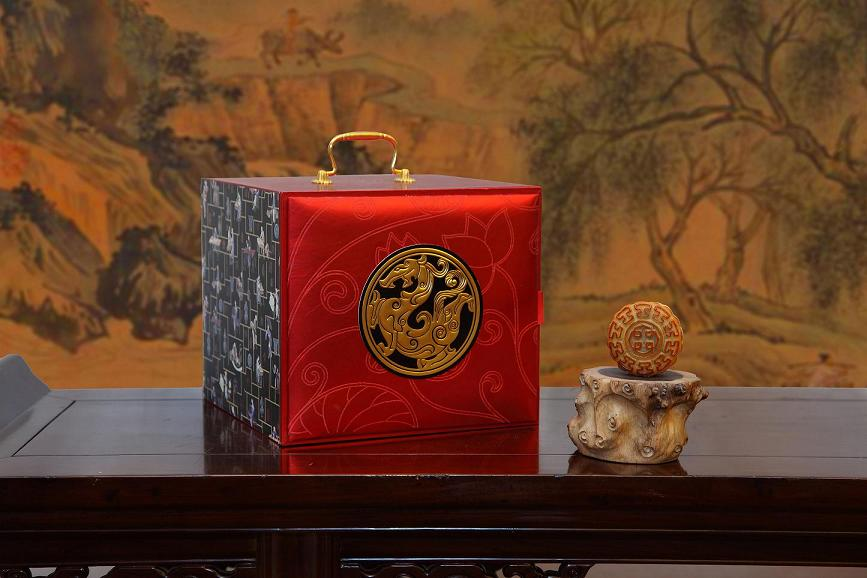China-World-Hotel-2012-Moon-Cake-Collection.jpg