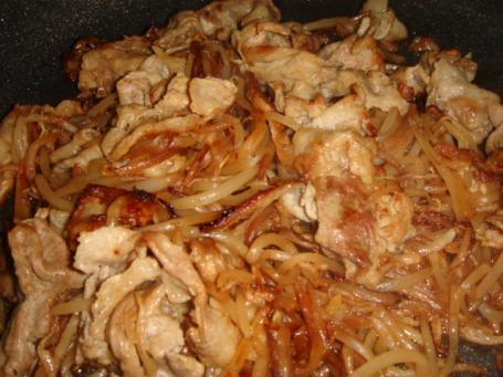 豚バラ肉のモヤシ炒め