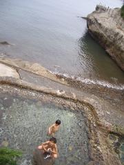 海につながる露天風呂