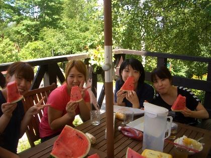左からナナ、アンナ、サチコ、サオリ