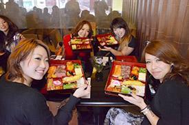 _DSC7941 昼食は和食で大喜び