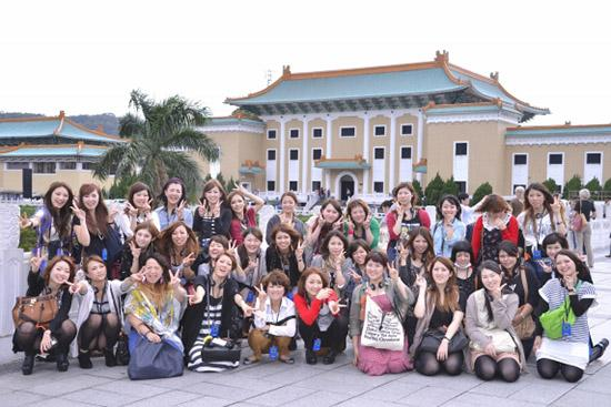 _DSC8116 故宮博物館 台北の故宮博物院には、中国の歴代皇帝が集めた美術品を基に、 約65万点の美術品が納められ、世界の四大博物館のひとつに数えられています。