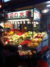 夜市の果物屋さん