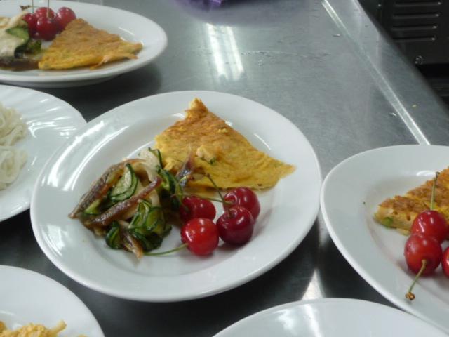 中華風かに卵焼き&白株トキュウリの和え物