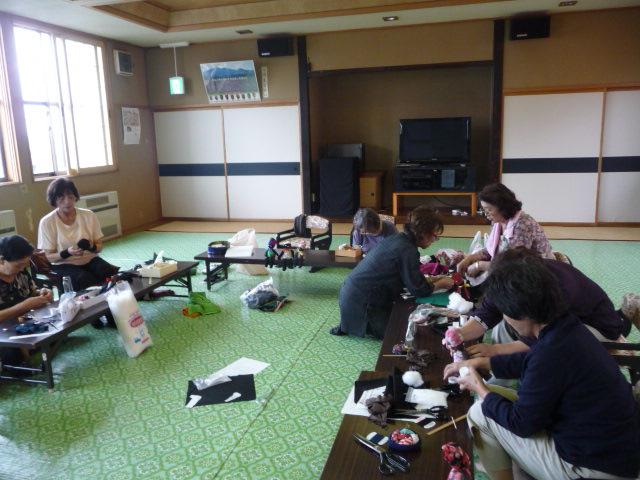 女性部の行事(人形作り教室)