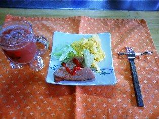 ジユースと朝食