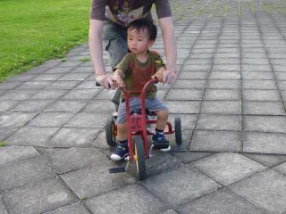 三輪車乗車