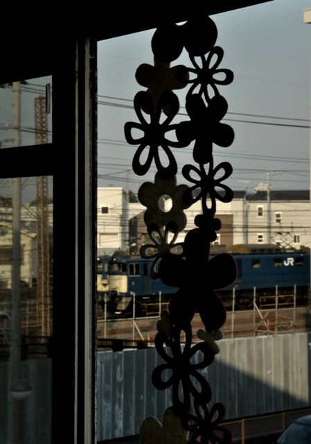 20130415am-window-akebono.jpg
