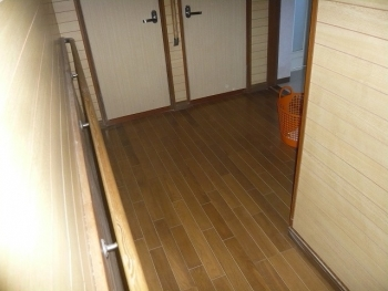 玄関→トイレ