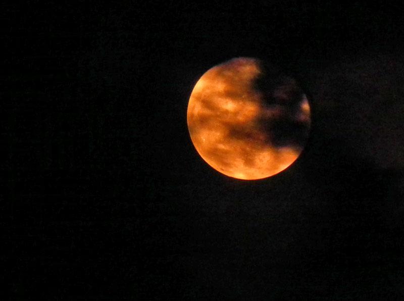 120507赤い月2