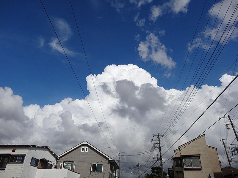 120901入道雲と京急1.5