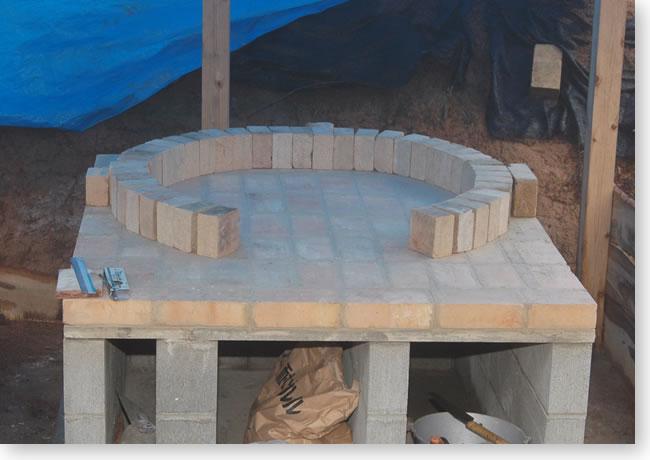 石窯1段目のレンガ積み予習