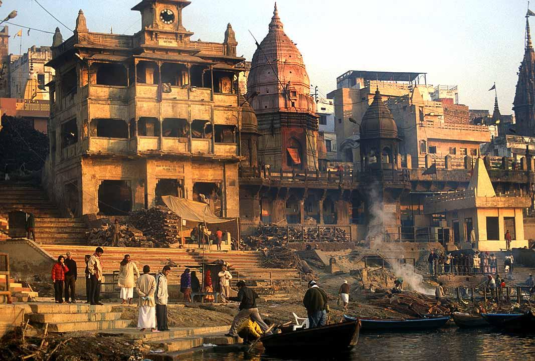 Varanasi_cremation[1]
