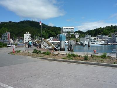 気仙沼・大島6,23、気仙沼港P1030315
