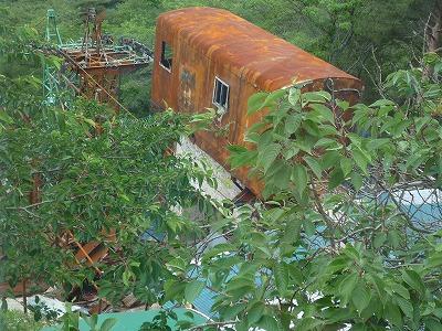 気仙沼・大島焼けたリフト乗り場、P1030378(1)