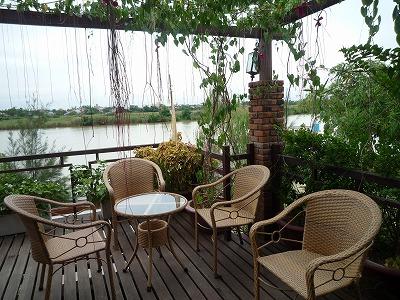 ベトナム012、9・1、Ucaffe3階バルコニー客席セット、P1030505