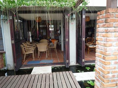 ベトナム012、9・1、Ucaffe3階バルコニーから客席、P1030493P1030501