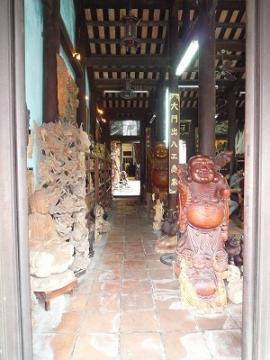 ベトナム012、9・1、ホイアン日本人街の古物商、P1030529