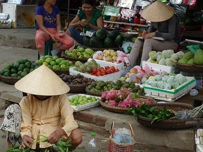 ベトナム012、9・1、ホイアン日本人街果物屋、P1030514