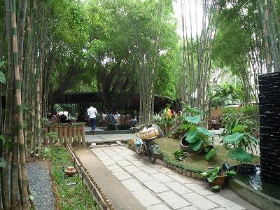 ベトナム012,9.2,バンブーDoom Cafe,入口、遠景、P1030577