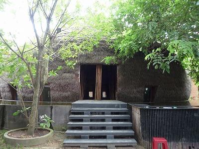 ベトナム012,9.2,バンブーDoom.入口階段、P1030557