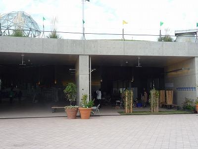 木愛の会展示外部から遠景、P1030755