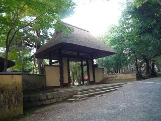10,27,伊賀上野、俳聖殿、門、P1030799