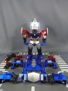 KIDS LOGIC DAF トランスフォーマーG1 オプティマス・プライム ライトアップ004