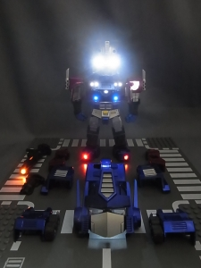 KIDS LOGIC DAF トランスフォーマーG1 オプティマス・プライム ライトアップ005