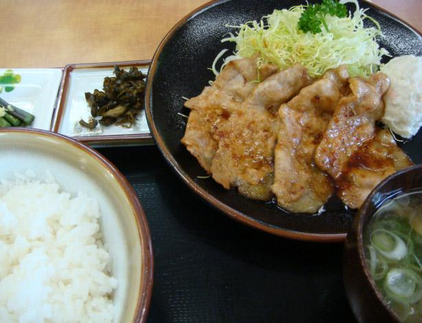 白金豚生姜焼き定食